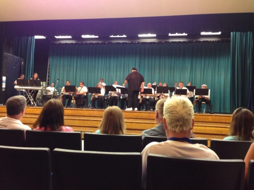 Alumni Jazz Band performs.